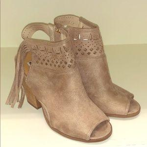Super cute suede shoes